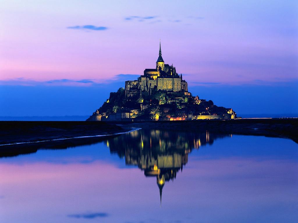 綺麗な湖とお城のクリスマス画像